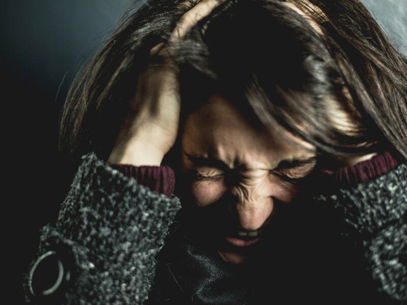 Slut med at skære tænder – lad ikke hovedpine og nakkespændinger hæmme dig